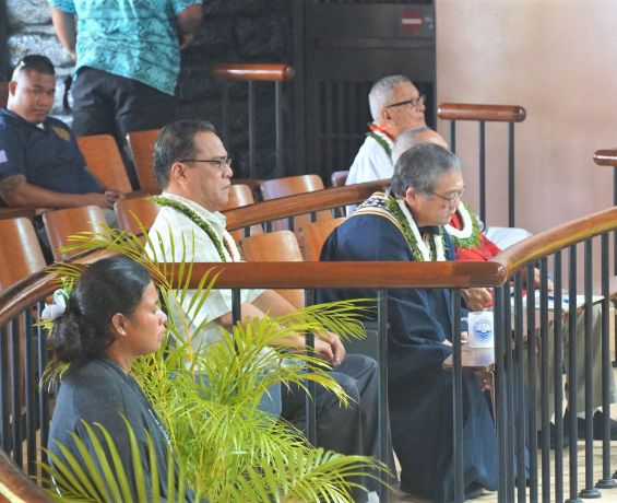 Speaker Delays Session to Accomodate Constitutional Convention